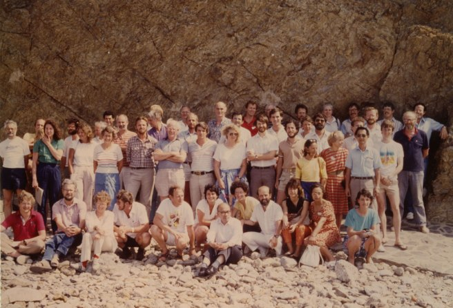 1985-banyuls-conference-group-photo